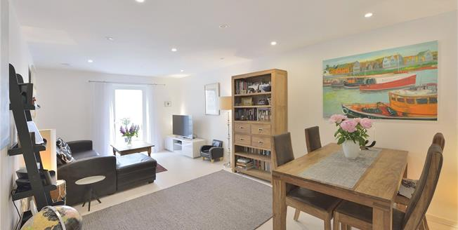 Offers in excess of £799,950, 3 Bedroom Flat For Sale in London, N5