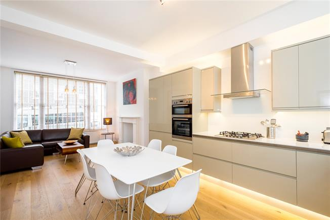 Offers in excess of £1,200,000, 2 Bedroom Flat For Sale in London, N1