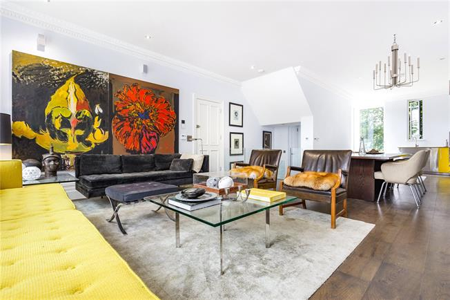 Asking Price £1,150,000, 2 Bedroom Flat For Sale in London, N1