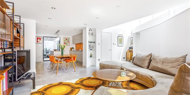 Asking Price £1,495,000, 6 Bedroom Terraced House For Sale in London, N7