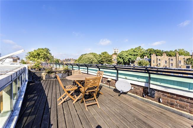 Asking Price £735,000, 2 Bedroom Flat For Sale in London, EC1R