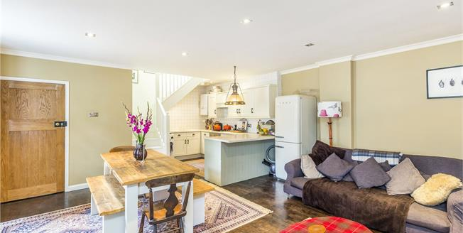 Guide Price £949,950, 2 Bedroom Semi Detached House For Sale in London, E9