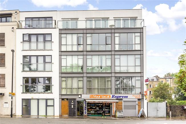 Asking Price £850,000, 2 Bedroom Flat For Sale in London, N1