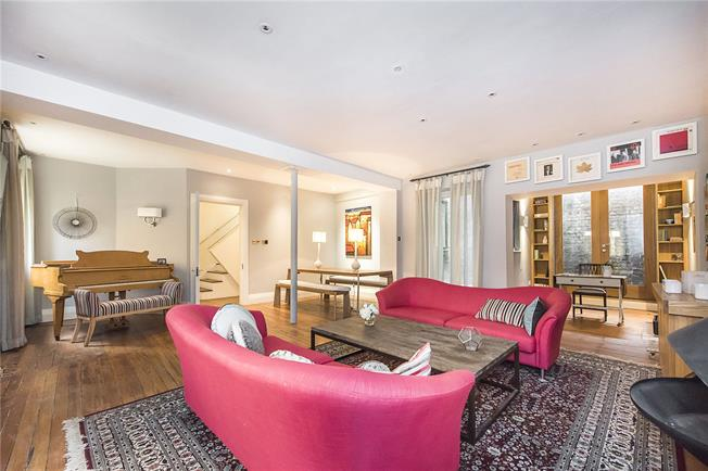 Offers in excess of £1,900,000, 3 Bedroom House For Sale in London, N1