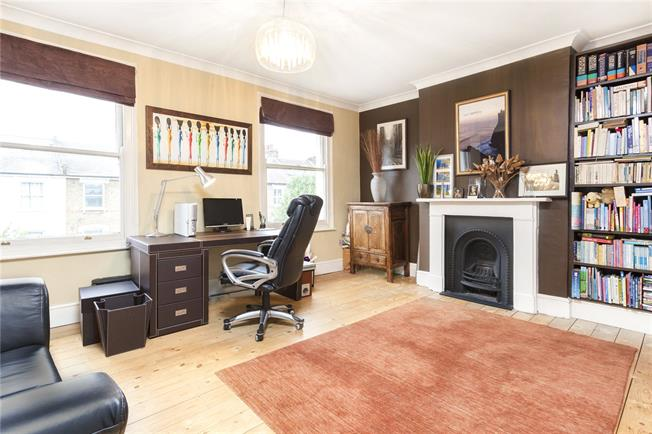 Asking Price £1,300,000, 4 Bedroom Terraced House For Sale in London, N4