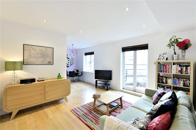 Asking Price £775,000, 2 Bedroom Flat For Sale in London, N1