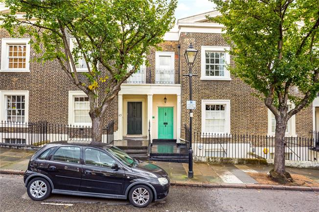 Guide Price £2,000,000, 4 Bedroom House For Sale in London, WC1X