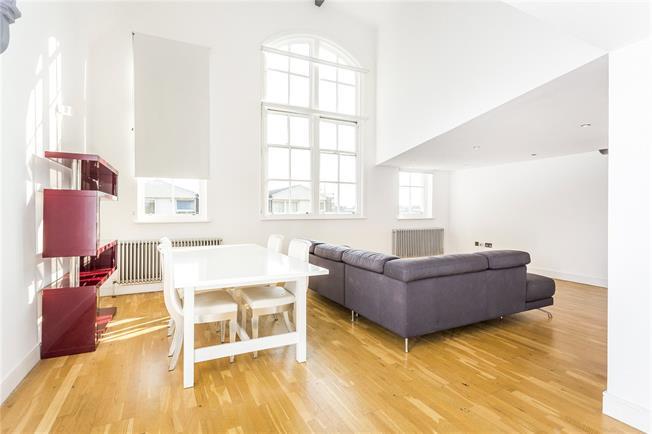 Asking Price £769,959, 2 Bedroom Flat For Sale in London, N1