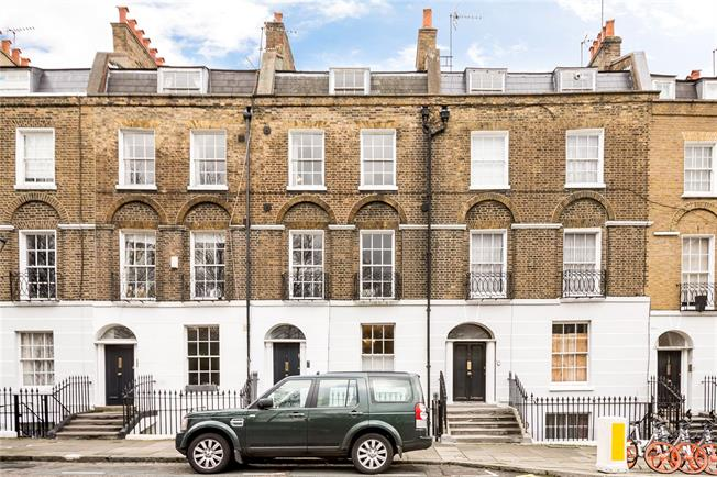 Asking Price £1,100,000, 2 Bedroom Flat For Sale in London, N1