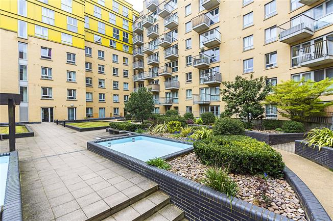 Offers in excess of £500,000, 2 Bedroom Flat For Sale in London, N7