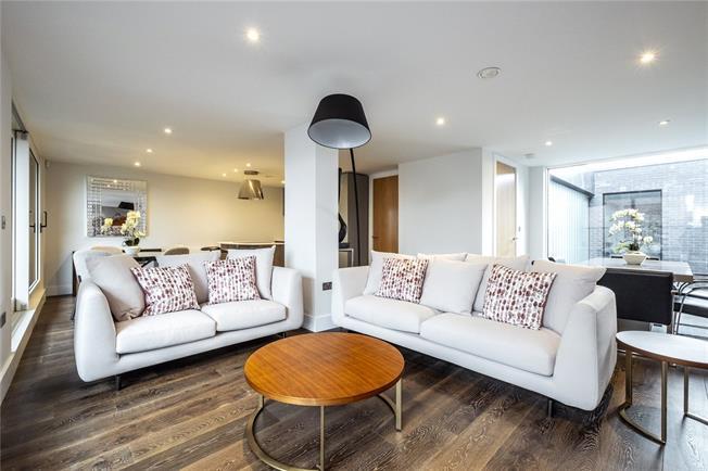 Asking Price £1,045,000, 3 Bedroom Flat For Sale in London, N1