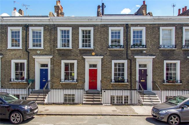 2 Bedroom House For Sale In London For Offers In Excess Of 1 200 000