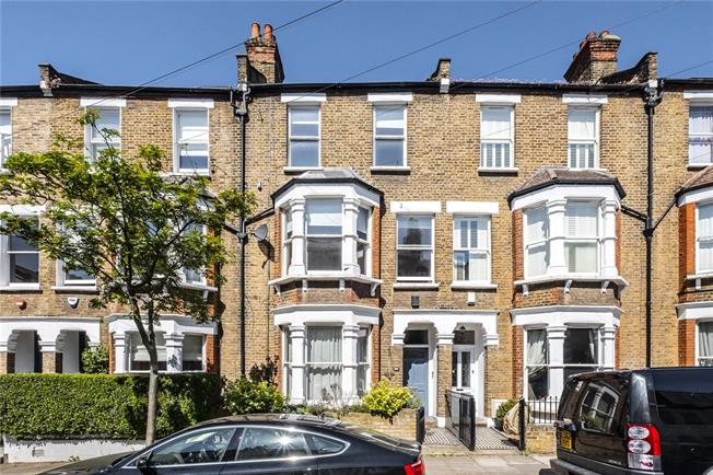 Asking Price £1,700,000, 5 Bedroom House For Sale in London, N5