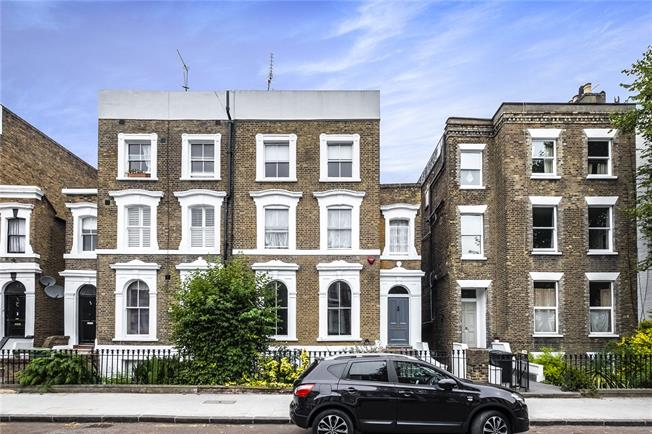 Asking Price £2,250,000, 4 Bedroom Semi Detached House For Sale in London, N1