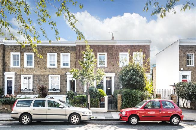Asking Price £1,350,000, 3 Bedroom House For Sale in London, N1