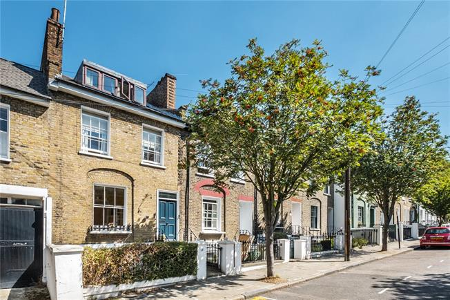 Asking Price £1,800,000, 3 Bedroom House For Sale in London, N1