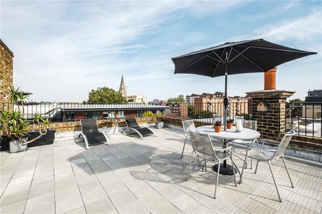 Asking Price £875,000, 2 Bedroom Flat For Sale in London, N1