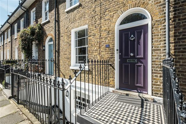 Offers in excess of £1,750,000, 3 Bedroom House For Sale in London, N1