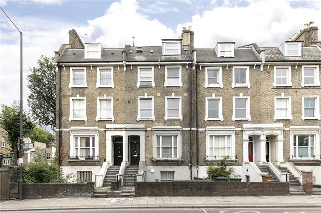 Offers in excess of £550,000, 3 Bedroom Flat For Sale in London, N16