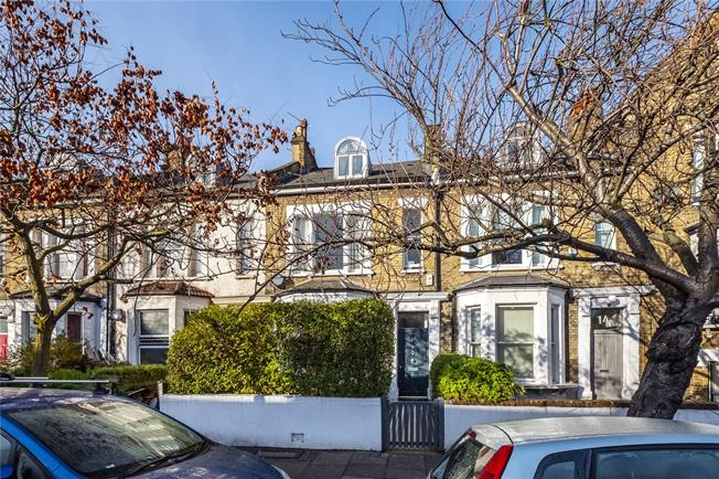 Asking Price £1,500,000, 4 Bedroom Terraced House For Sale in London, N4