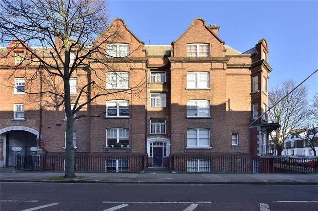Asking Price £750,000, 2 Bedroom Flat For Sale in London, N1