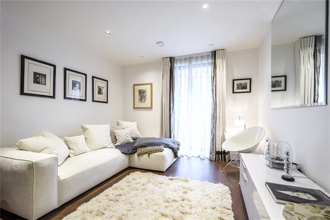 Offers in excess of £500,000, 1 Bedroom Flat For Sale in London, N5
