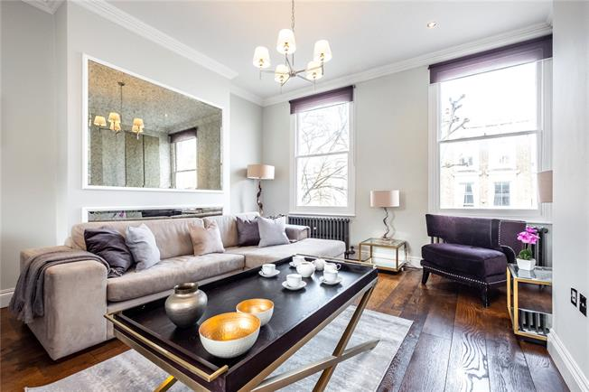 Asking Price £1,000,000, 3 Bedroom Flat For Sale in London, N1