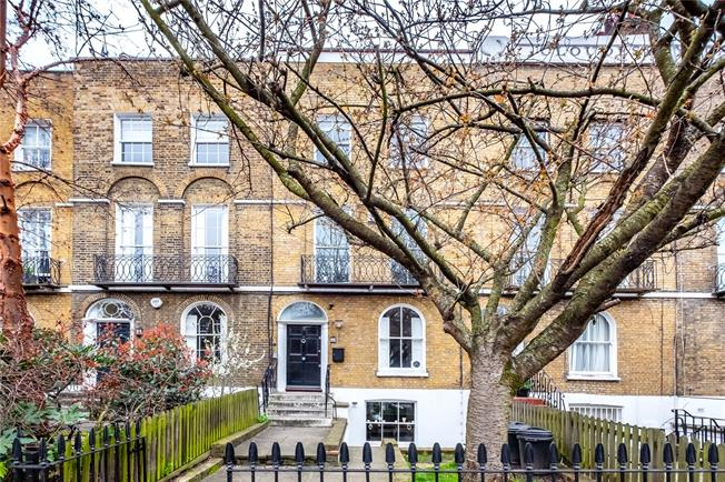 Asking Price £1,750,000, 4 Bedroom Terraced House For Sale in London, N1