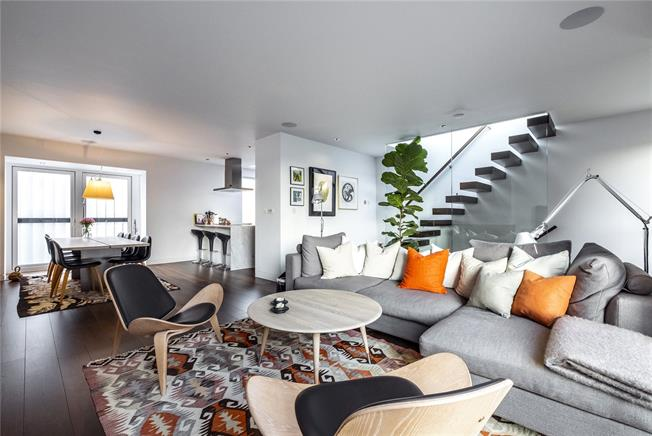 Asking Price £2,500,000, 4 Bedroom Terraced House For Sale in London, EC1R