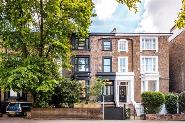Asking Price £2,500,000, 5 Bedroom Semi Detached House For Sale in London, E8