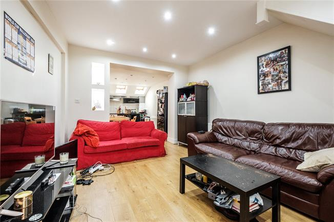 Offers in excess of £700,000, 3 Bedroom End of Terrace House For Sale in London, N1