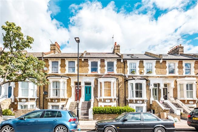 Offers in excess of £700,000, 2 Bedroom Flat For Sale in London, N5