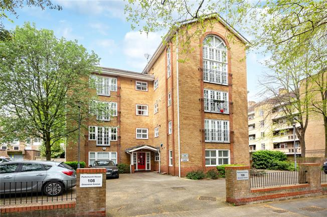 Offers in excess of £450,000, 1 Bedroom Flat For Sale in London, N5
