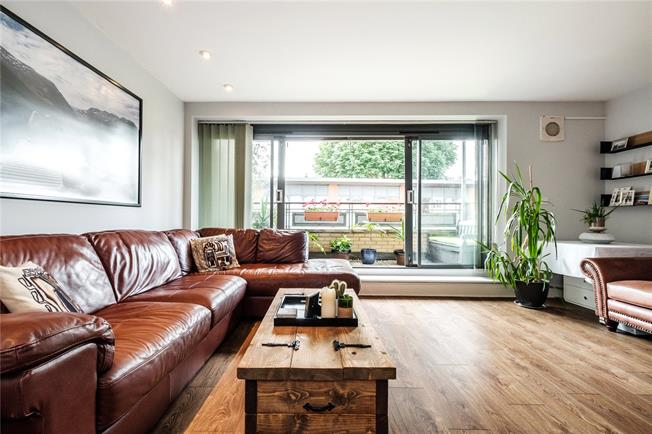 Offers in excess of £600,000, 2 Bedroom Flat For Sale in London, N7