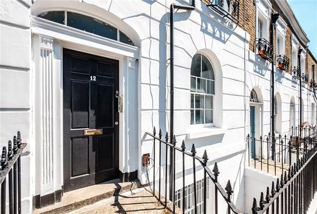 Offers in excess of £1,250,000, 5 Bedroom Terraced House For Sale in London, N1