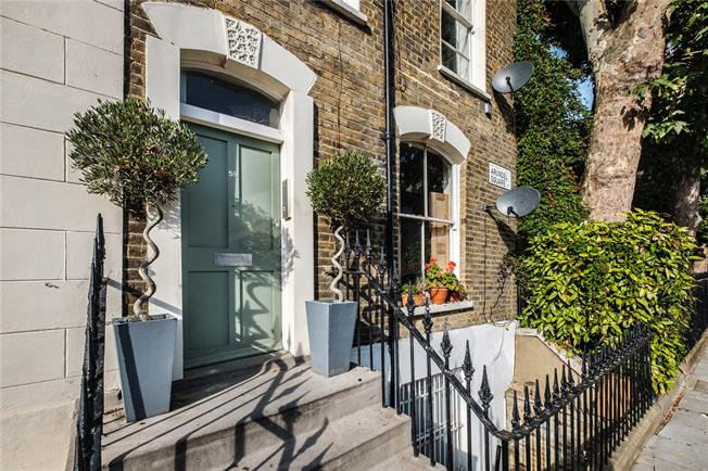 Asking Price £1,150,000, 3 Bedroom Flat For Sale in London, N7