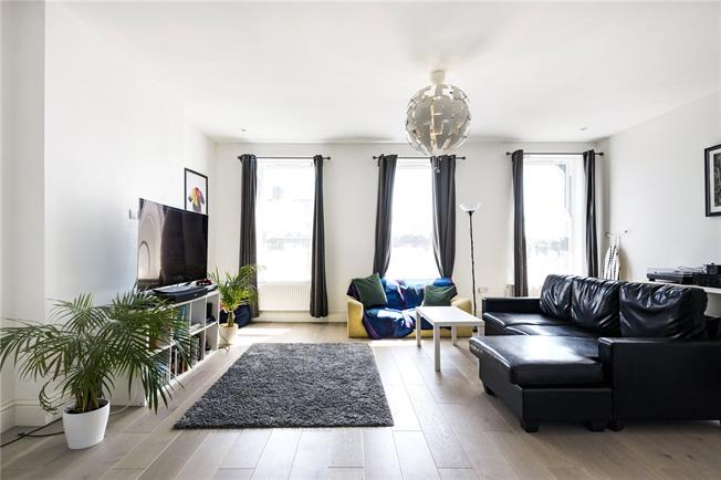 Offers in excess of £400,000, 3 Bedroom Flat For Sale in London, N22