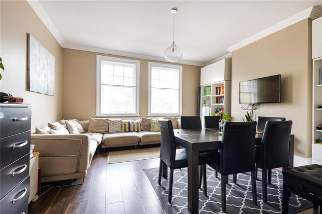 Offers in excess of £700,000, 3 Bedroom Flat For Sale in London, N5
