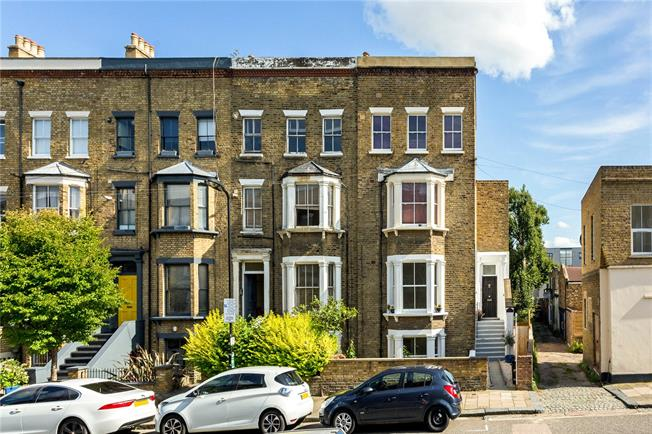 Offers in excess of £900,000, 3 Bedroom Flat For Sale in London, N16