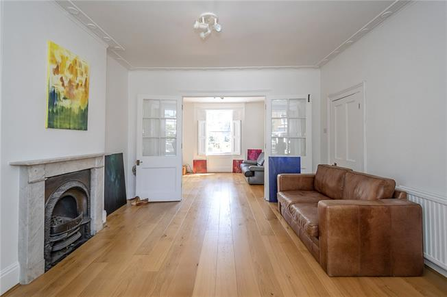 Asking Price £1,500,000, 4 Bedroom End of Terrace House For Sale in London, N1