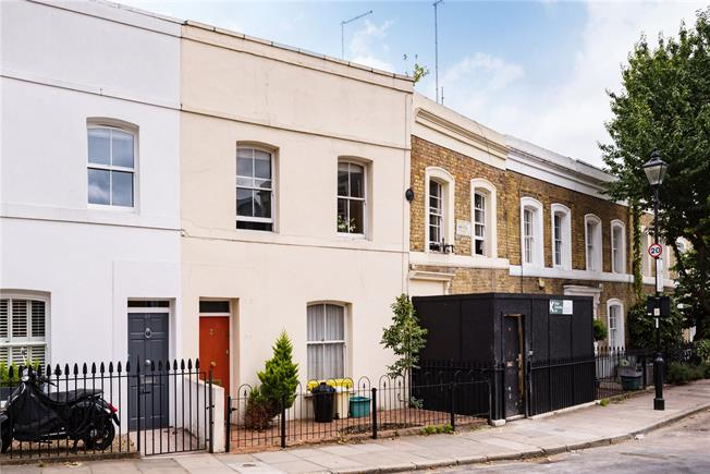 Offers in excess of £1,000,000, 3 Bedroom Terraced House For Sale in London, N1