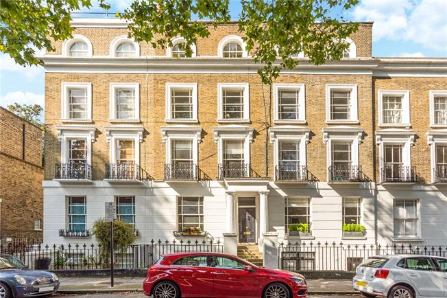 Offers in excess of £1,000,000, 2 Bedroom Flat For Sale in London, N1