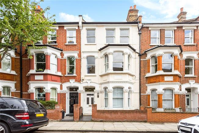 Asking Price £1,150,000, 3 Bedroom Flat For Sale in London, N5