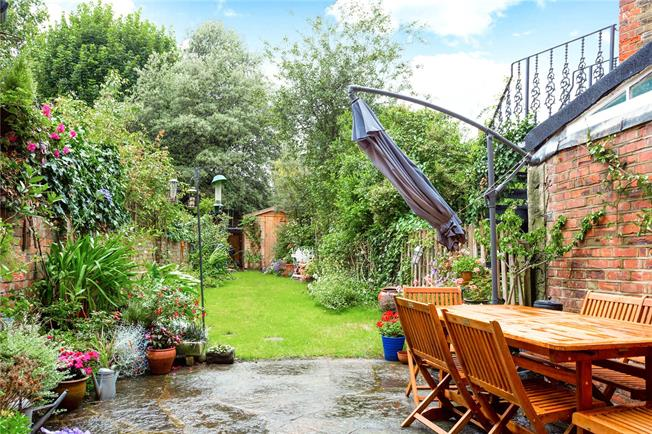 Asking Price £2,500,000, 6 Bedroom Terraced House For Sale in London, E8