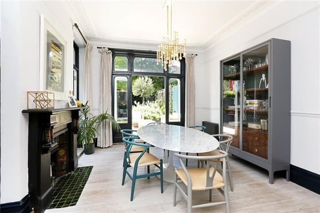 Asking Price £3,500,000, 6 Bedroom Terraced House For Sale in London, N5