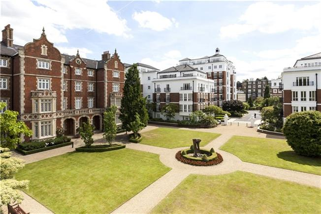 Asking Price £1,700,000, 1 Bedroom Flat For Sale in London, W8