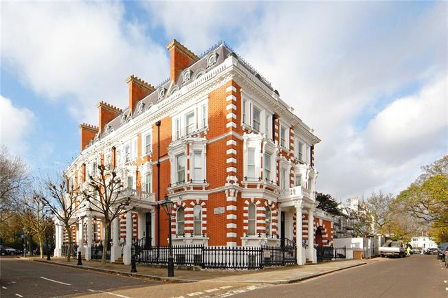 Asking Price £3,750,000, 2 Bedroom Flat For Sale in London, W8
