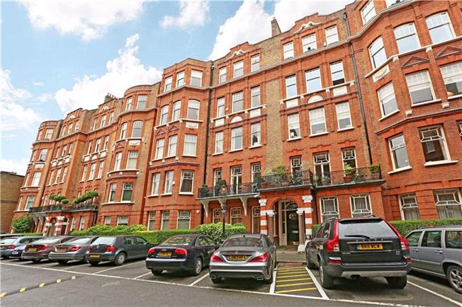 Asking Price £3,350,000, 3 Bedroom Flat For Sale in London, W8