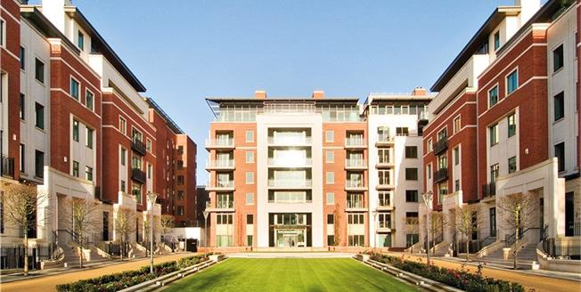 Asking Price £6,000,000, 3 Bedroom Flat For Sale in London, W8