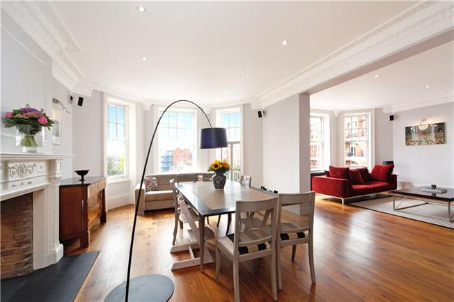 Asking Price £3,900,000, 4 Bedroom Flat For Sale in London, W8